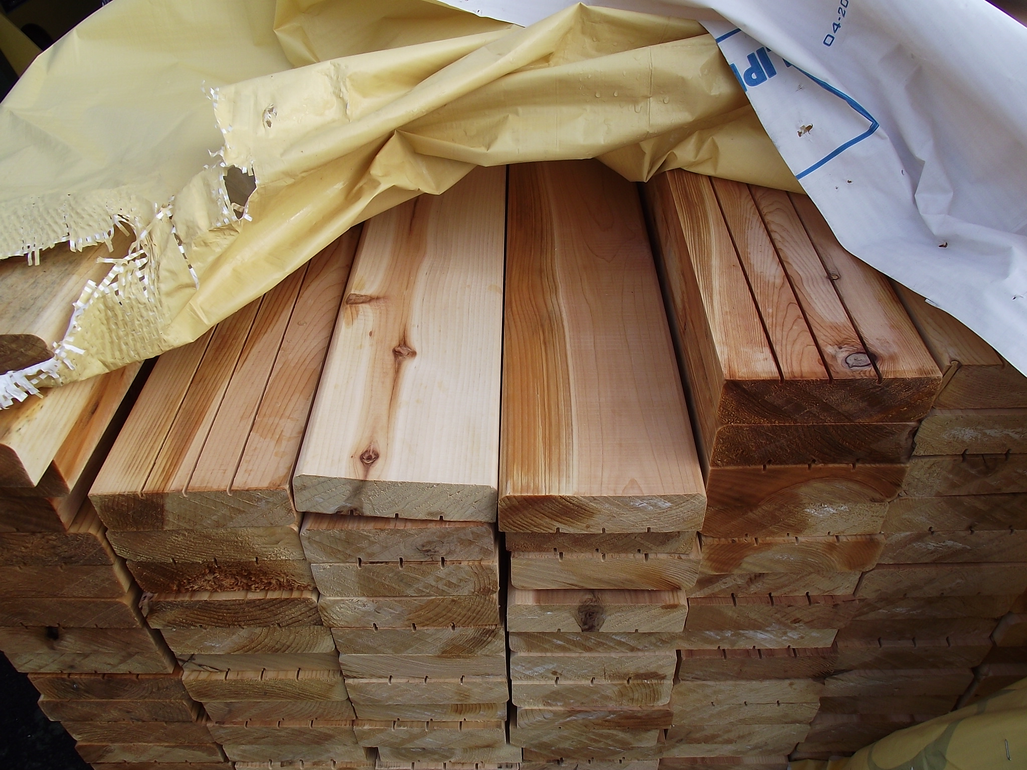 Kiln Dried Incense Cedar Premium Appearance Decking