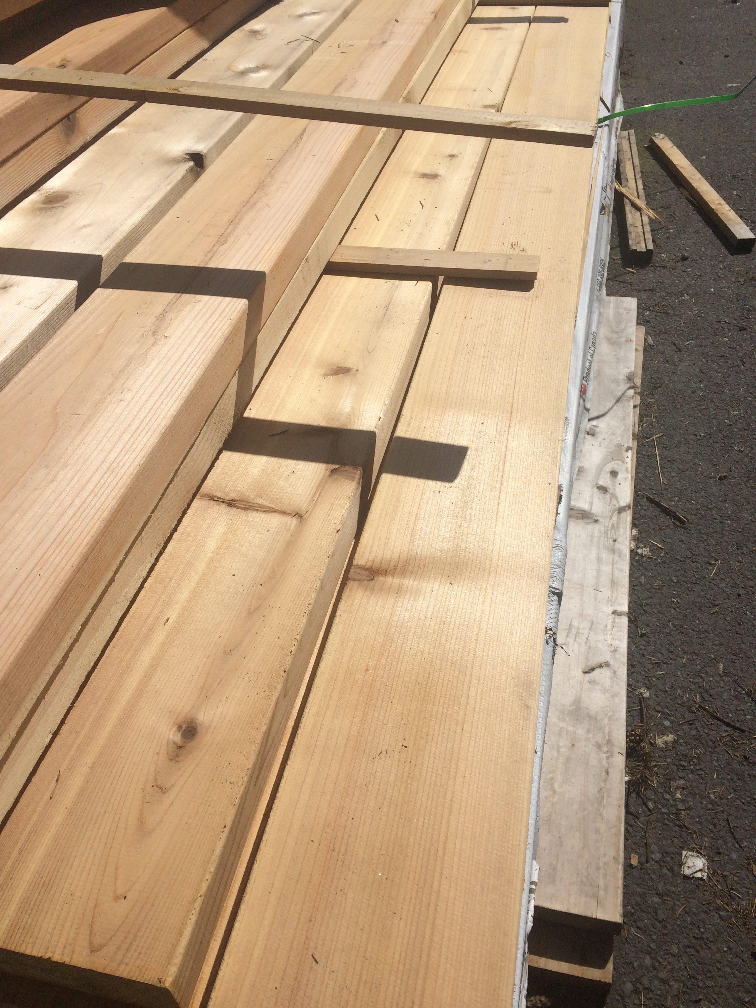 2 215 6 16 Western Red Cedar Select Knotty Kiln Dried Decking
