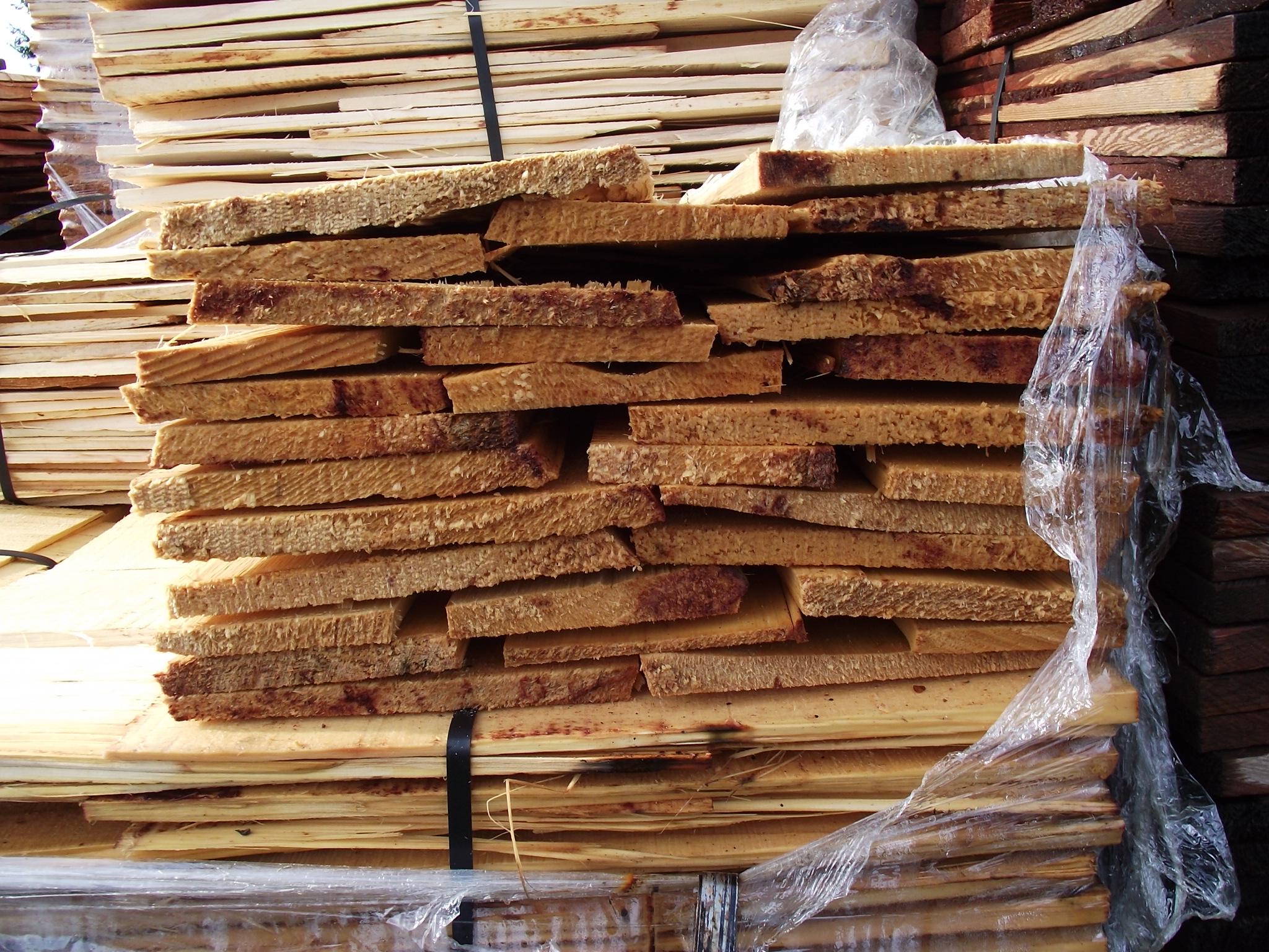 Alaskan Yellow cedar 18″ medium shakes #1 grade « Mill
